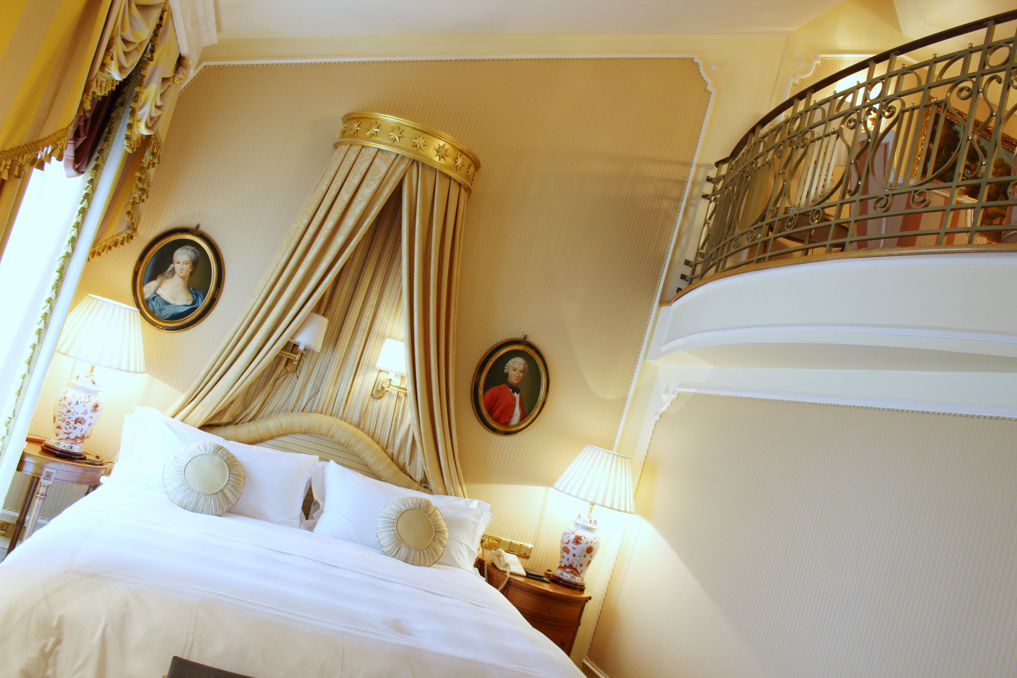 imperial-hotel_top-floor-rooms_aurea